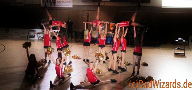 CheerleaderShow (Keine Sensationals für Basketball in Düsseldorf)